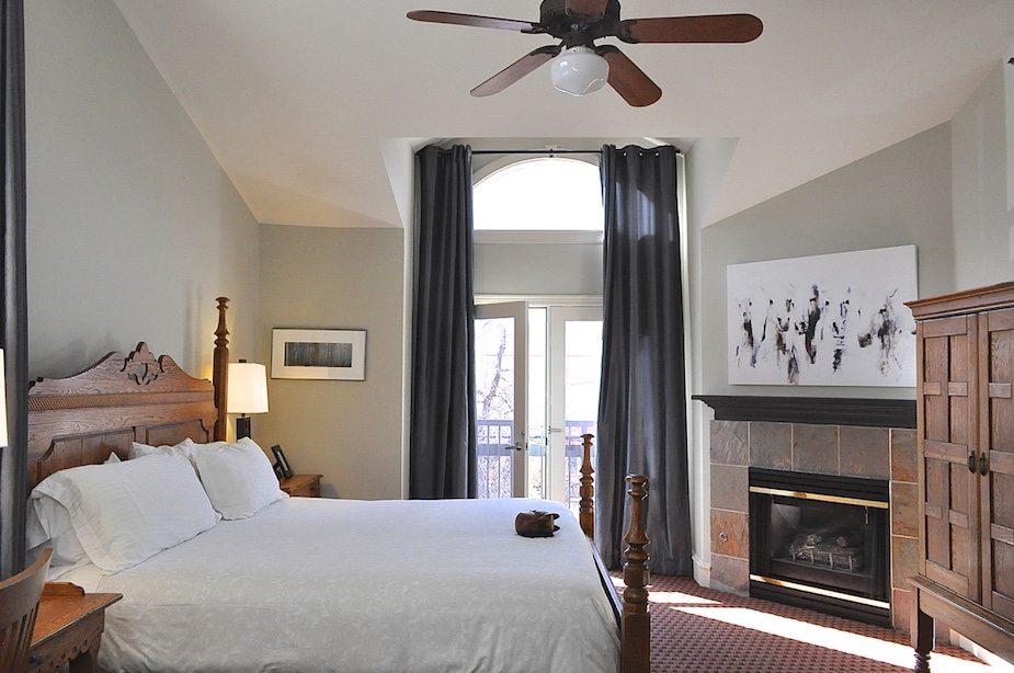 Bradley Boulder Inn hotel room with french doors